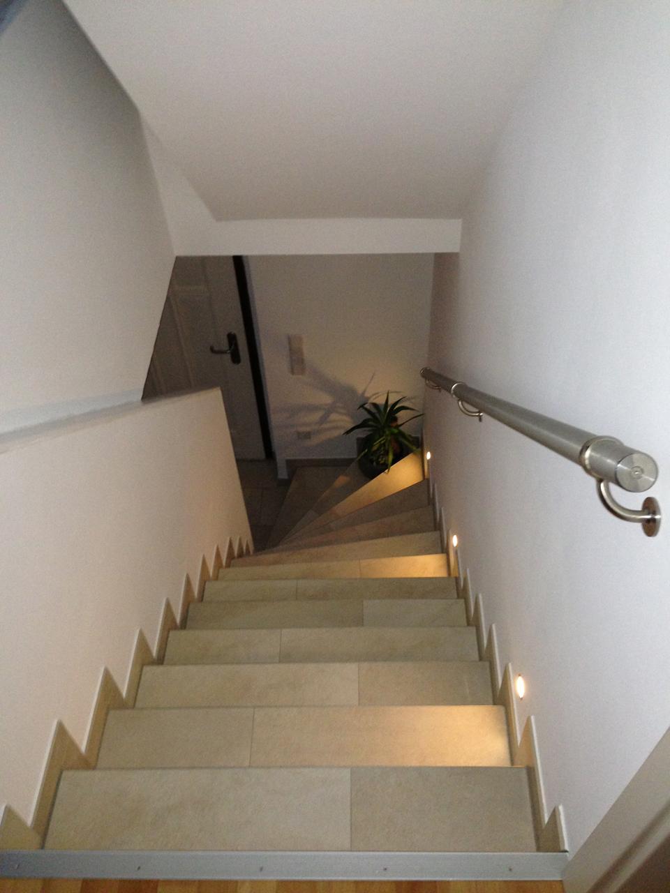 treppe fliesen anleitung kreative ideen f r. Black Bedroom Furniture Sets. Home Design Ideas